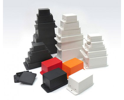 NUB505027BK - пластиковый корпус с фланцами Gainta